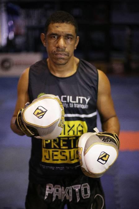 """Lutador com projeto social é o Madureira, personagem de """"Malhação"""", da vida real Capoeira Portal Capoeira"""